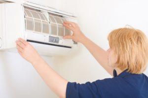 Bảo trì và sửa chửa máy lạnh